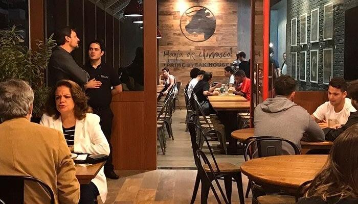 Franquias de casual dining - Mania de Churrasco
