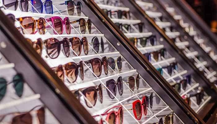 Ex-vendedor que recuperou loja falida, mira faturamento de R$ 5 milhões com franquia de óculos