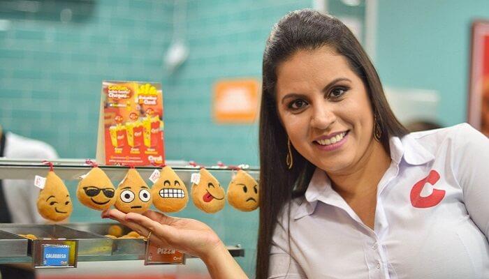 Empreendedora fatura mais de R$ 15 milhões por ano vendendo coxinhas no copo