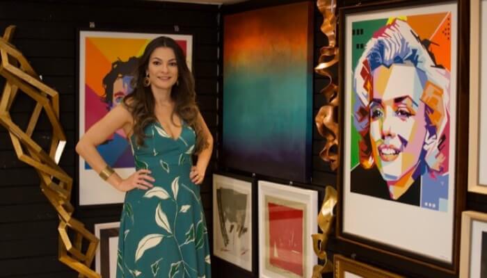 Comprar uma franquia de arte foi como Adriana realizou o sonho de empreender