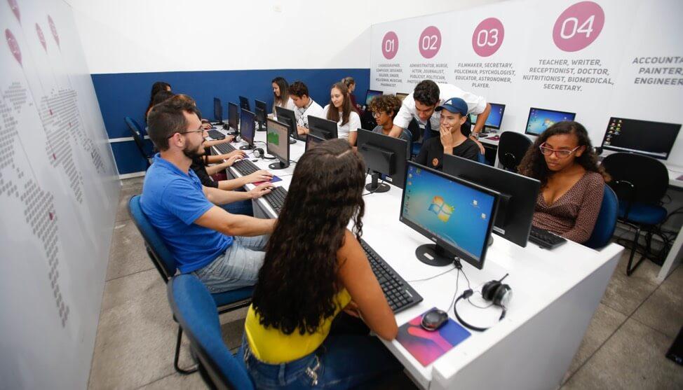 classe de aula da franquia enjoy inglês um negócio de 30 milhões