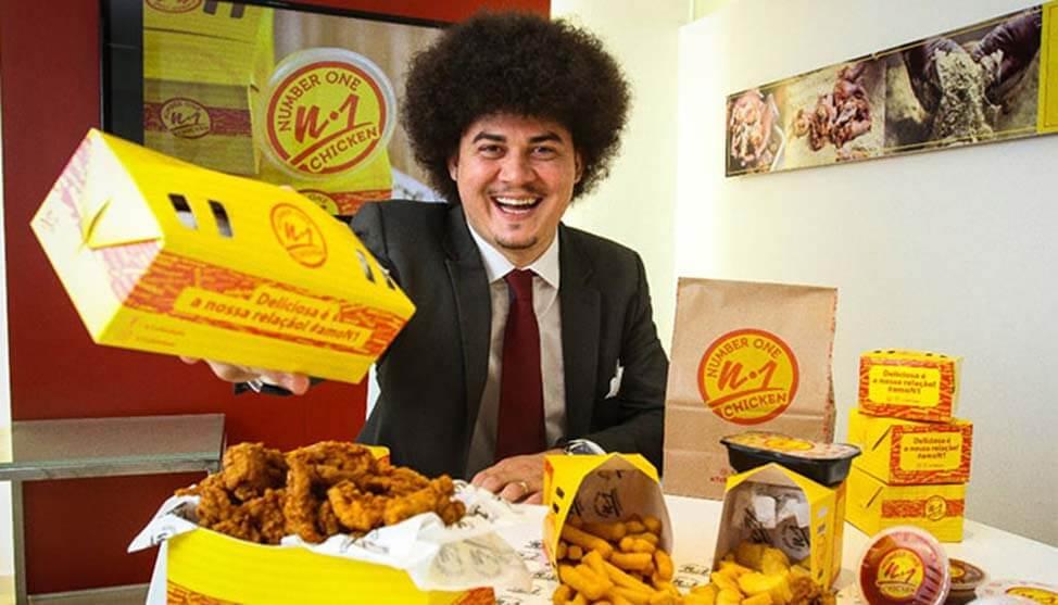 Franquia de frango frito é líder no Brasil em menos de dois anos