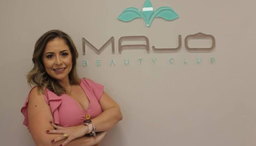 De representante de material cirúrgico para empreendedora do segmento de estética e beleza